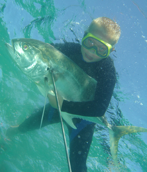 Spearfishing with Flashers
