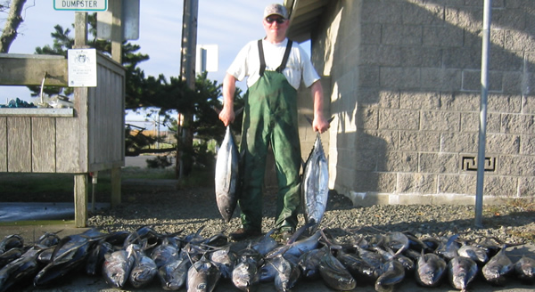 Double Dee's -- catching Tuna by the boat-load